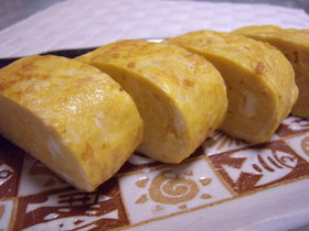 お弁当に♡醤油バターのだし巻き卵
