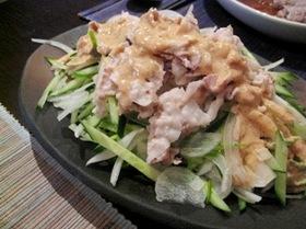 濃厚ゴマドレで豚肉の冷しゃぶサラダ