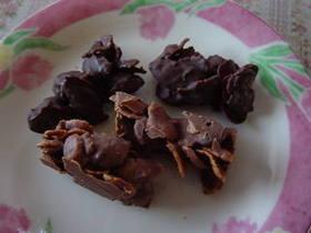 チョコナッツフレーク