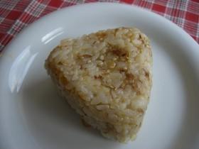 ワサビ醤油+おかかチーズおにぎり
