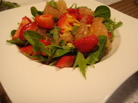苺とグレープフルーツのサラダ !