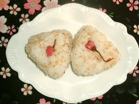 お花見弁当✿W桜おにぎり✿桜海老&桜