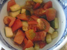 ズッキーニとトマトのマリネ