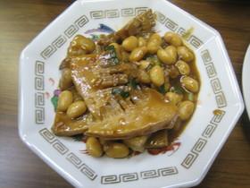 豚肉と大豆の煮込み