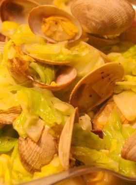 春キャベツとあさり(アサリ)の蒸し煮