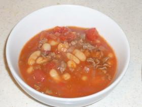 缶詰使用のトマトビーンズスープ