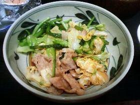 カブの葉っぱとキャベツで作る回鍋肉
