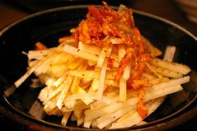 大根(だいこん)とキムチのサラダ