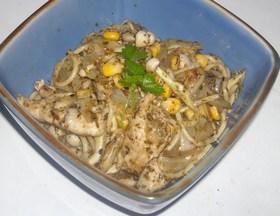 鶏肉&玉葱&ブナピーのバジルソースパスタ