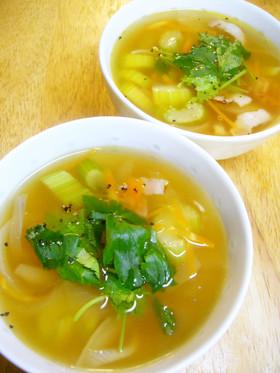 ほっとおいしい☆セロリとベーコンのスープ