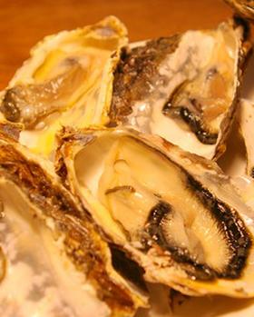 北海道厚岸町の生牡蠣(かき)蒸し