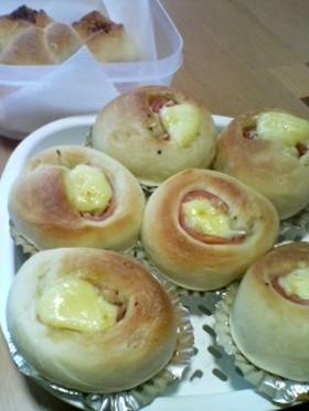 カロリー控えめ♪ハムと玉葱のシンプルパン