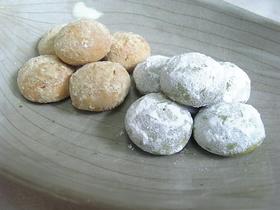 米粉と抹茶☆発酵バターのスノーボール