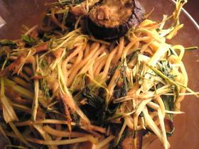 ツナと水菜と茄子の焼きそば