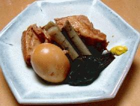 あっさりした豚の角煮、卵付き