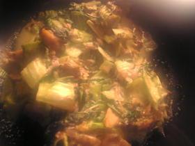 秋刀魚と小松菜のピリ辛胡麻マヨネーズ炒め
