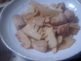 鶏とタケノコの和風バター炒め