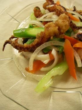 イカゲソの唐揚げの甘酢サラダ