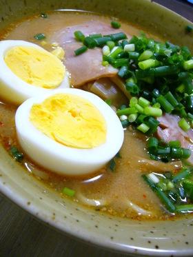 スープが旨☆ピリ辛ごま味噌ラーメン