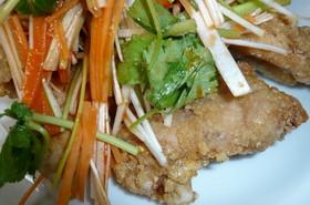 鶏のから揚げ~辛味野菜のせ~