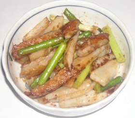 薩摩揚げ&大蒜の芽&長芋のわさび醤油炒め