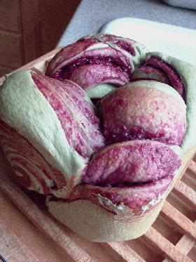 HBで~抹茶&紫芋折込パン