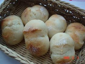 自家製酵母で長時間冷蔵発酵の丸パン