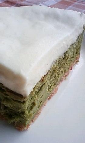 2層の抹茶クリームチーズケーキ