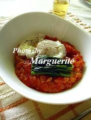 トマトリゾットのポーチ・ド・エッグのせの写真