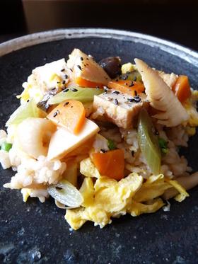 ささっと簡単 春の玄米混ぜ寿司
