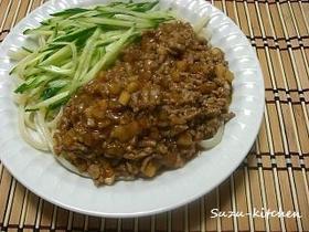 大根の入ったジャージャー麺