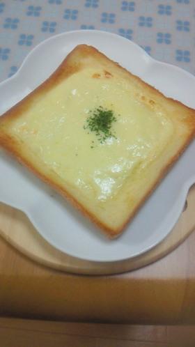 チーズマヨトースト