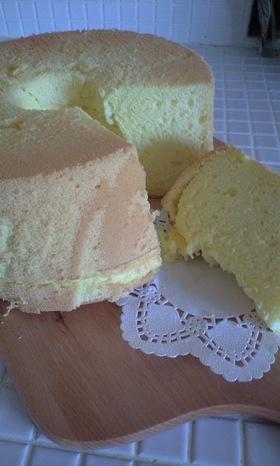卵使いきり!綿菓子みたいなシフォンケーキ