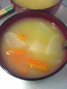 大根とにんじんのお味噌汁