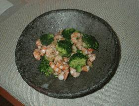ブロッコリーと海老の色鮮やか炒め