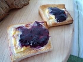 簡単!!! ジャム&チーズのっけパン