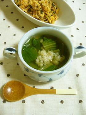チンゲン菜とカニ缶で中華スープ