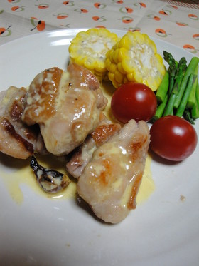 鶏もも肉のソテー☆カルボナーラ風ソース
