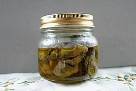 牡蠣の旨味たっぶりオリーブオイル漬け