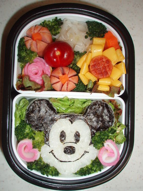 キャラ弁 ミッキーマウス