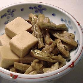 ひなびた味のいもがらと高野豆腐のさっと煮
