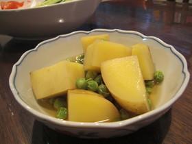 新じゃがとエンドウ豆の旬の煮物