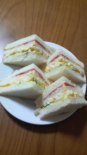 お店っぽい(?) サンドイッチ