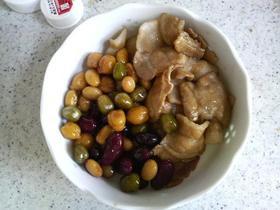 豚バラとお豆の炊いたん