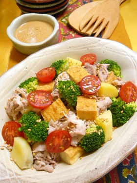 ヘルシー豚肉と野菜のレンジ蒸しサラダ