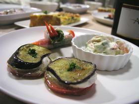 ナスとトマトとモツァレラの前菜