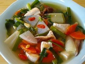 手軽に薬膳!野菜たくさんのスープ