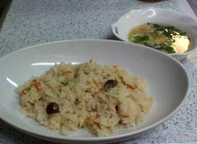 簡単!炊込ご飯のピラフ風&レタスススープ