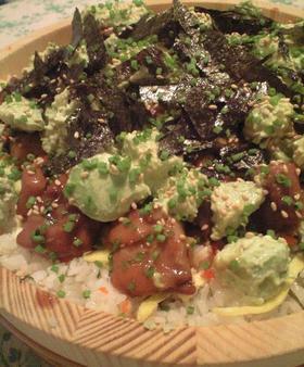 ボリュームたっぷり洋チラシ寿司
