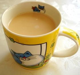牛乳だけで超簡単♪ミルクティー